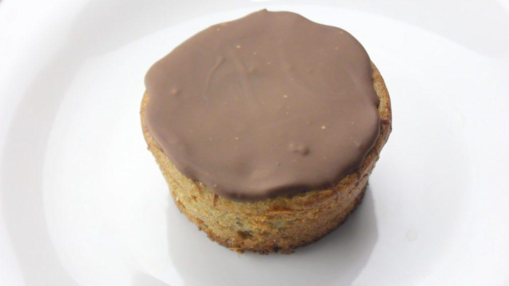 Muffin Fit de Banana com Cobertura de Chocolate