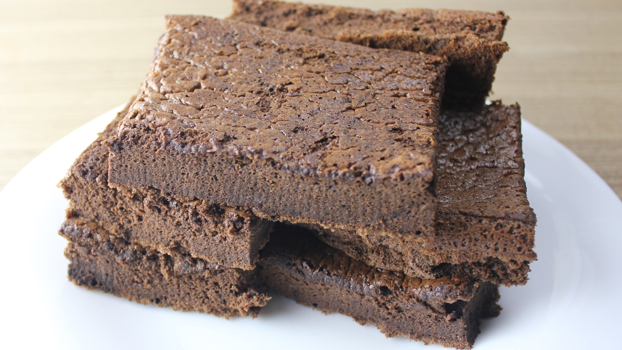 Bolo de Chocolate Fit com só 2 Ingredientes
