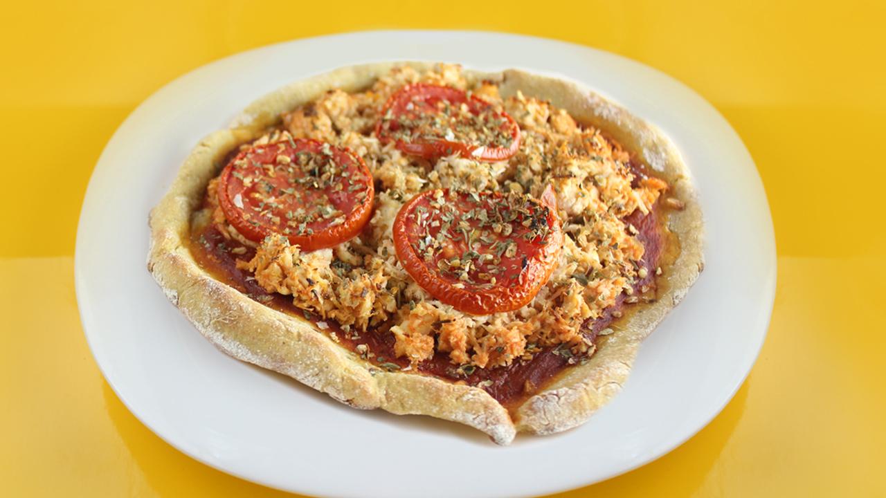 Pizza Fit de Frango na Massa de Batata Doce